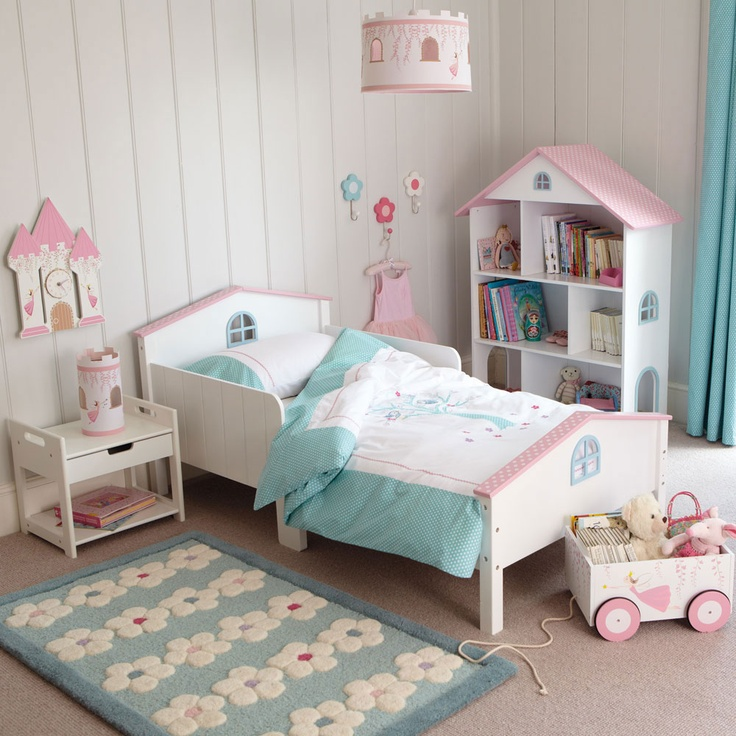 Small bedrooms because we are moms - Idea for a toddler girls room ...